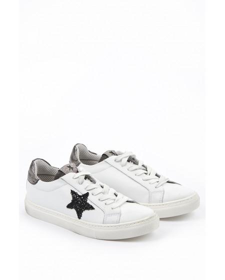 Sneaker Black Star